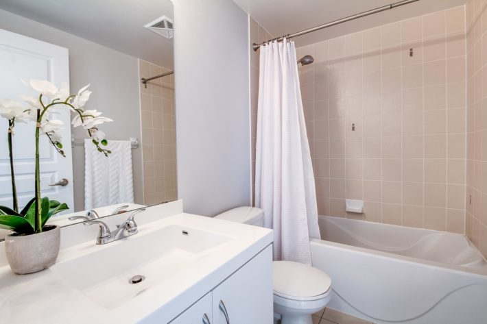 Smart Bathroom Design Ideas For Small Spaces Find Latest