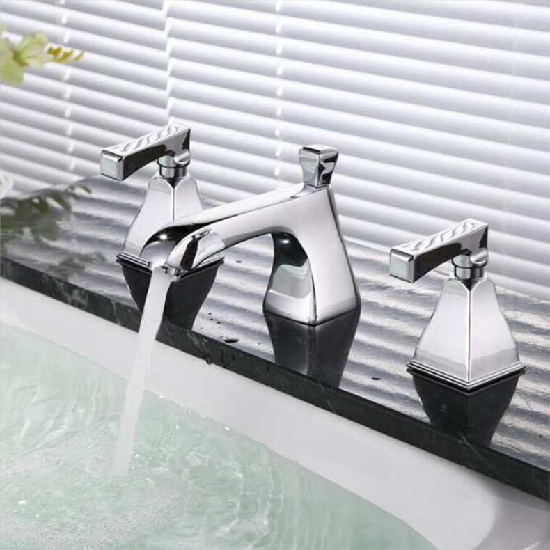 Fashion Cover Mounted Bathtub Room Sink Double Handle Faucet