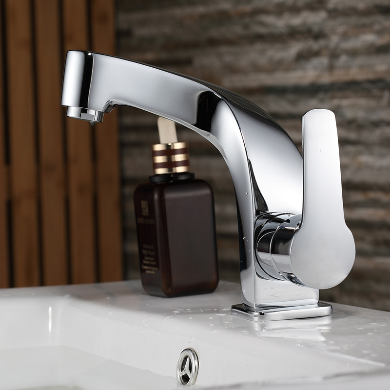 Curved White Chrome Single Handle Bathroom Faucet