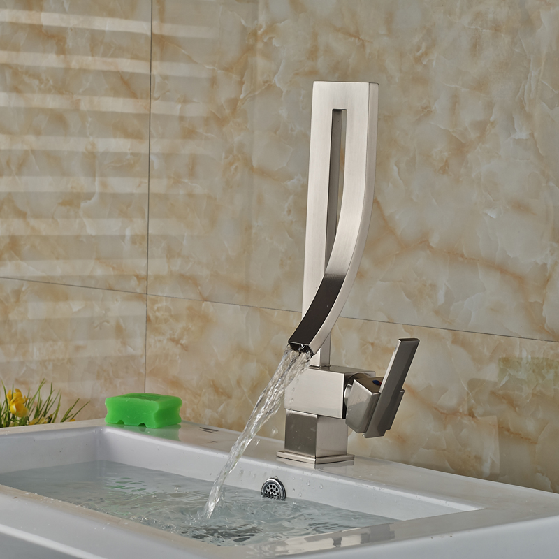 Miles Bathroom Sink Faucet In Chrome Finish