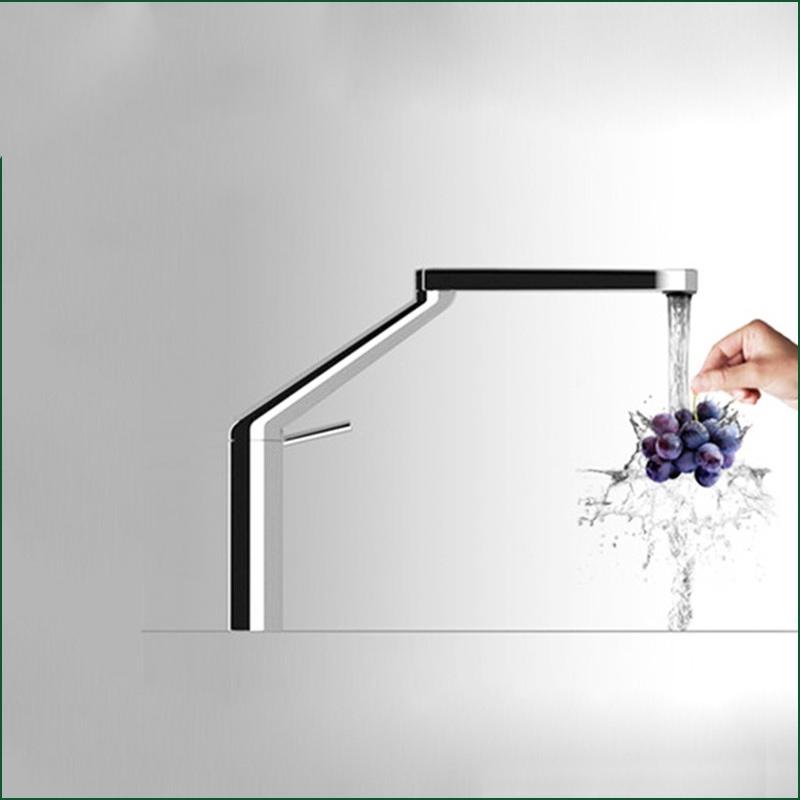 Stylish Single Lever Chrome Kitchen Faucet