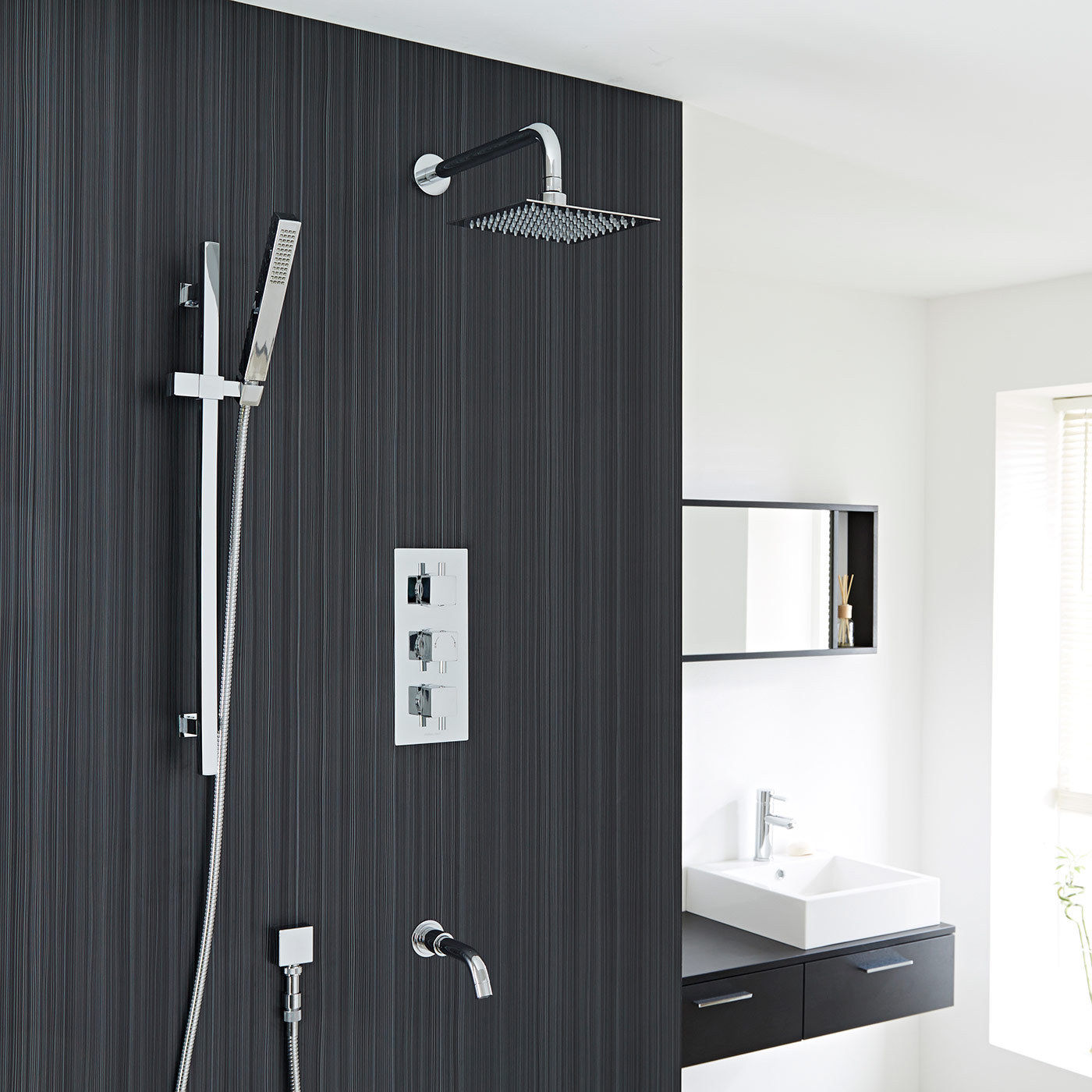 Contemporary Showers shower systems / hand showers / shower sets