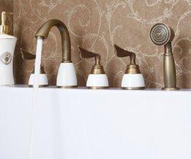 Antique Brass Finish Deck Mount Bathtub Faucet with Handheld shower Spray